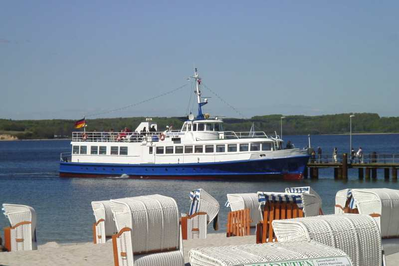 MS Viking vorm Strand Sandwig